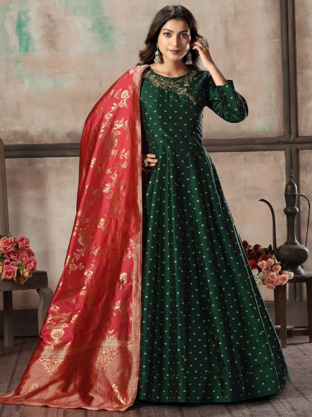 Hunter Green Taffeta Silk Embroidered Festival Lawn Kameez