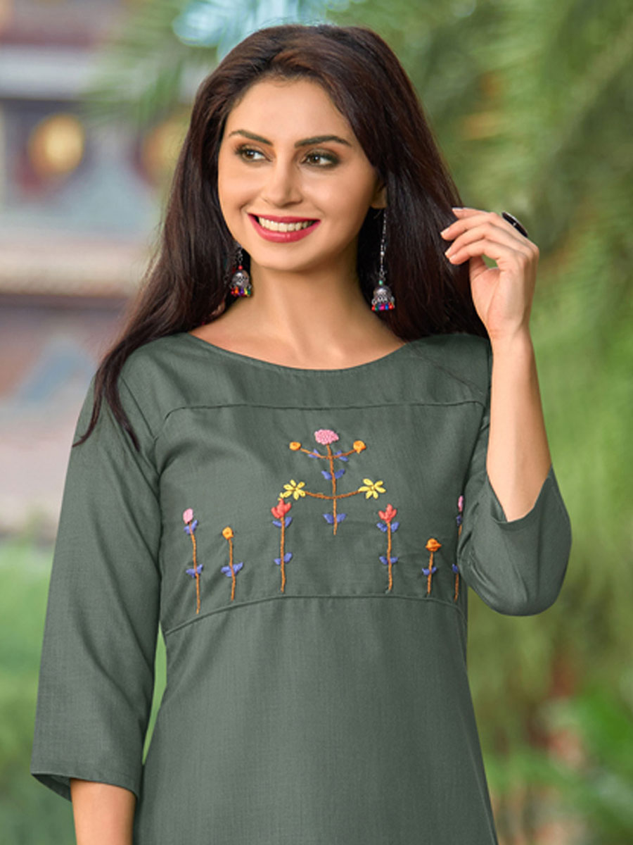 Camouflage Green Cotton Casual Embroidered Kurti